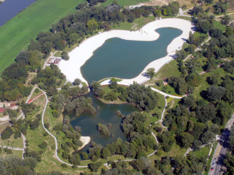 Park i jezero Bundek